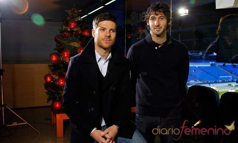 Xabi Alonso y Esteban Granero felicitan la Navidad 2010