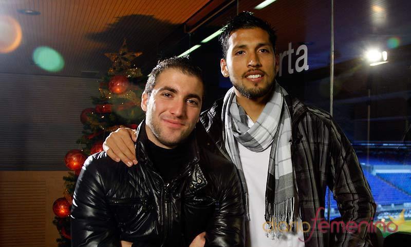 Gonzalo Higuaín y Ezequiel Garay felicitan la Navidad 2010