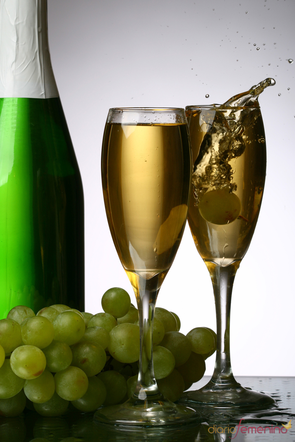 Uvas y Champan para atraer la suerte en Navidad