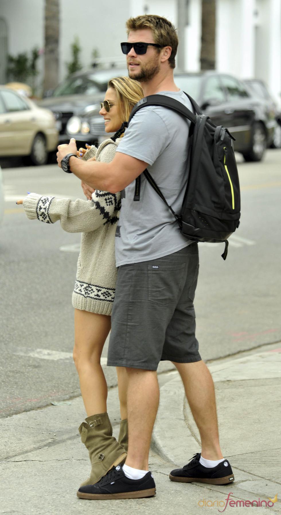 Elsa Pataky y Chris Hemsworth muy acaramelados
