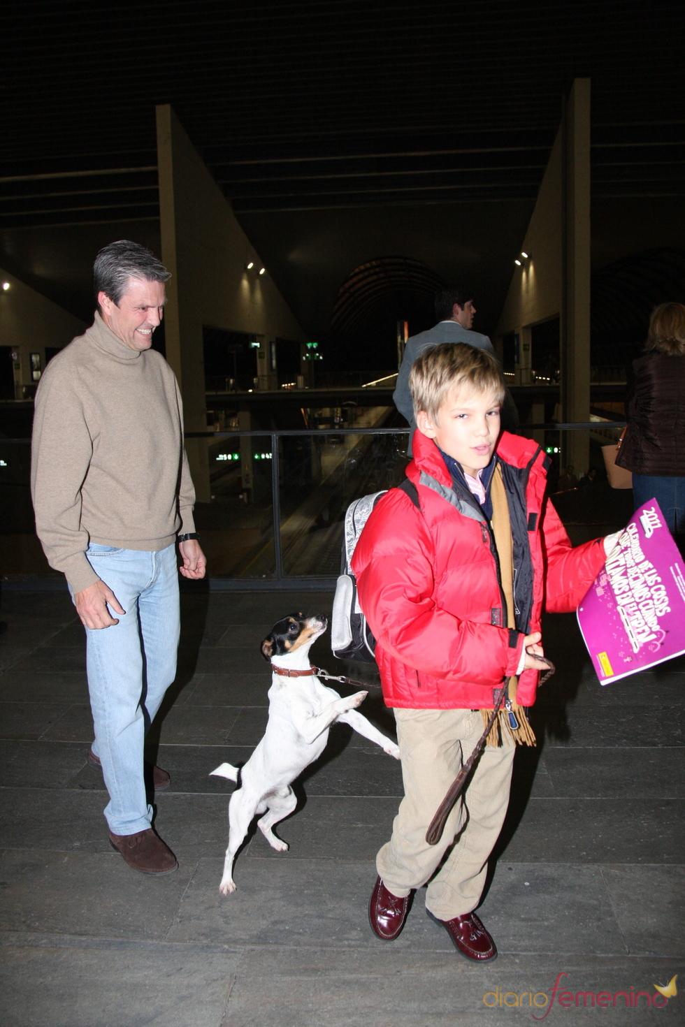 Espartaco se reúne con su hijo Juan en Navidad