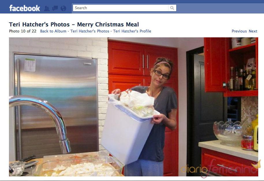 Teri Hatcher saca la basura