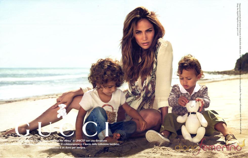 Jennifer Lopez y sus hijos prestan su imagen a Gucci