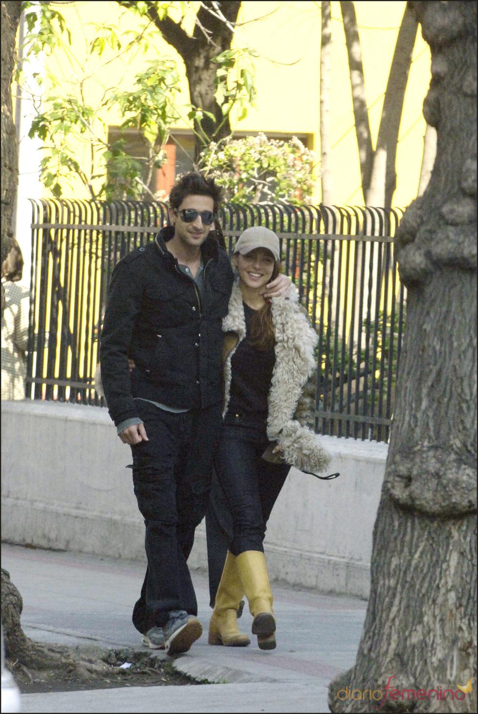 Elsa Pataky y Adrien Brody pasean su amor