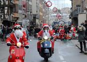 Papa Noel en moto por Estrasburgo