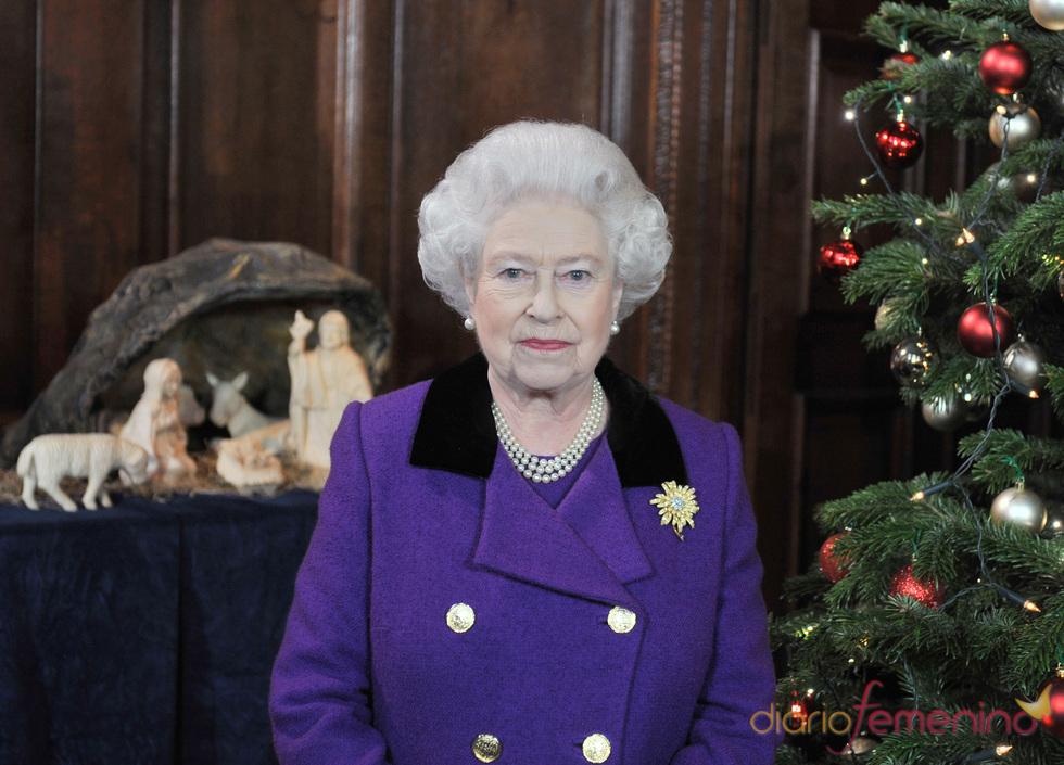 La reina Isabel II, bisabuela por primera vez