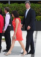 Stephen Kernahan en la boda de Chris Judd y Rebeca Twigley