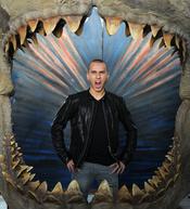 Jorge Lorenzo nadando entre tiburones
