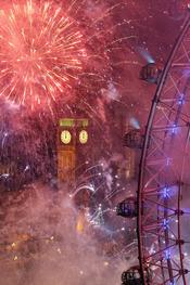 Fuegos artificiales en Londres en las celebraciones del año nuevo