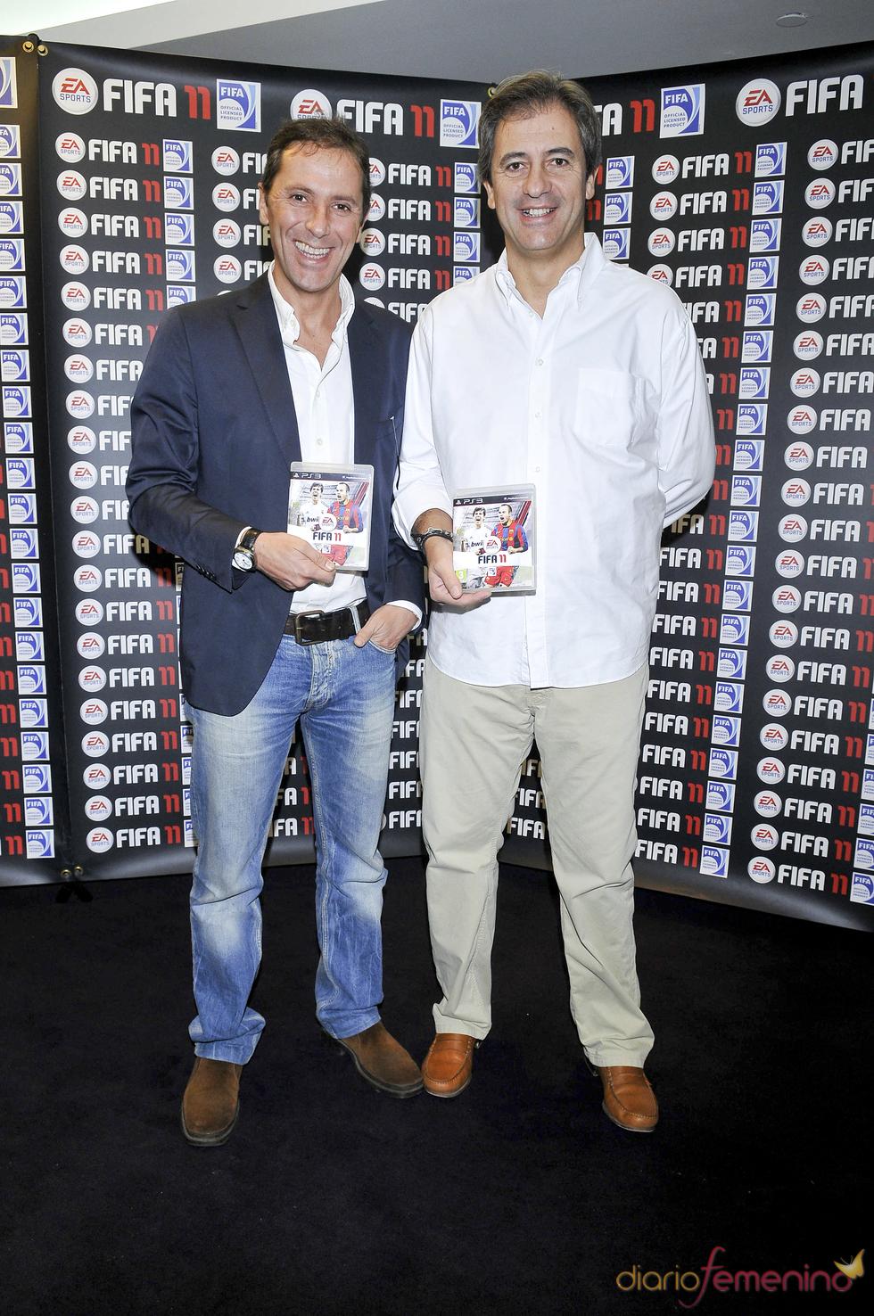 Manolo Lama y Paco González en la presentación de un videojuego
