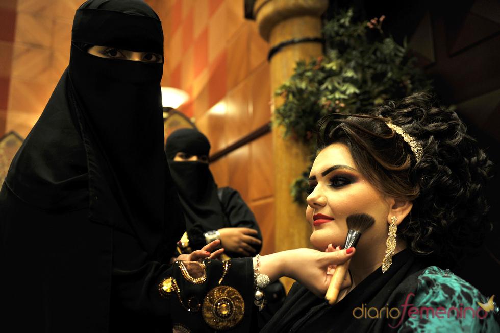 Los espectaculares peinados de las mujeres saudíes