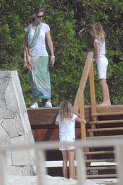 Miranda Rijnsburger con sus hijas en Punta Cana