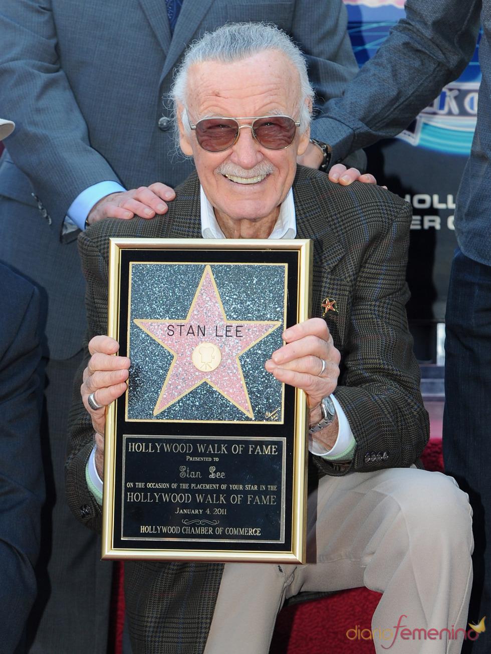 Stan Lee recibe su estrella en el Paseo de la Fama de Hollywood