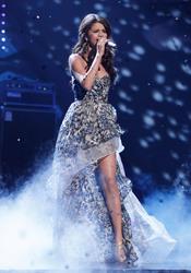 Selena Gomez canta en el People's Choice Awards 2011
