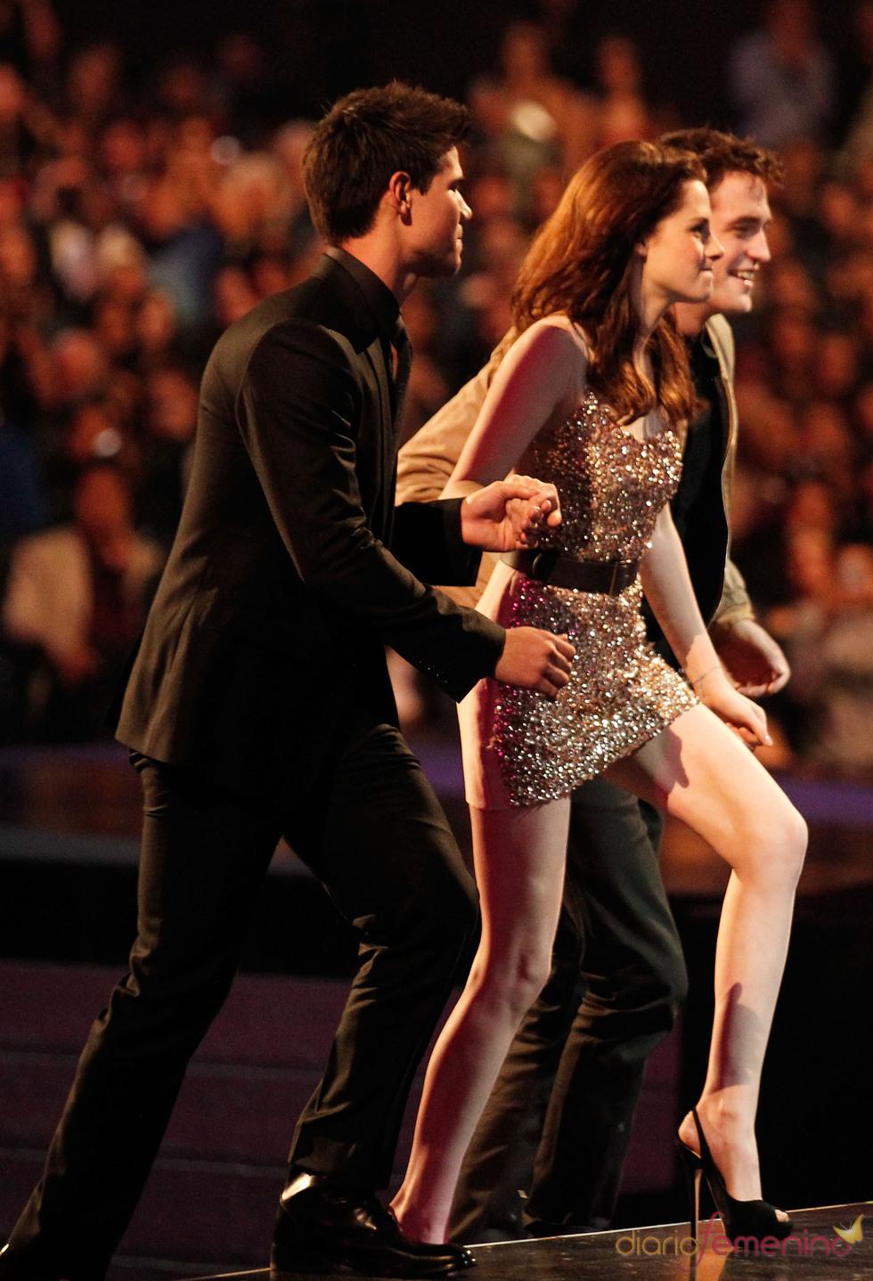El mini vestido de Kristen Stewart en el People's Choice Awards 2011