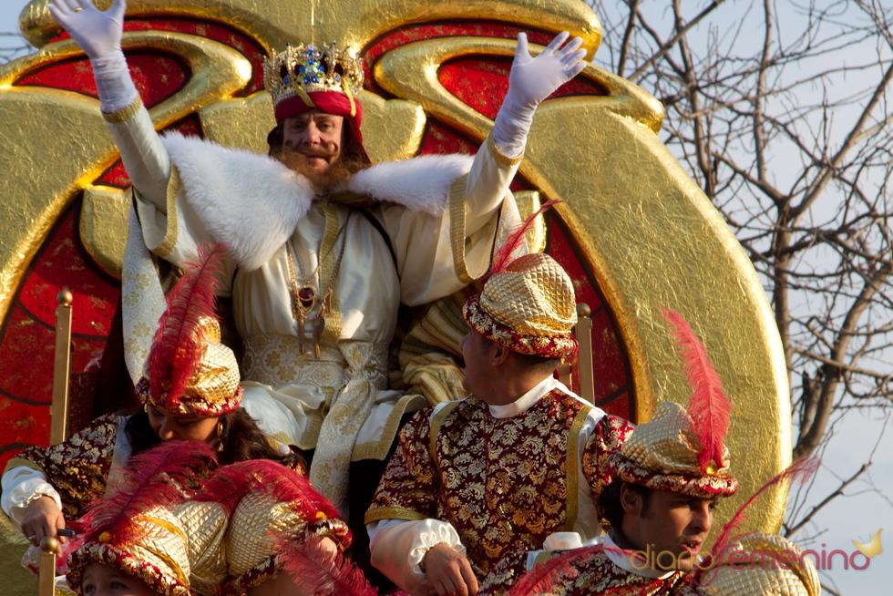 Cayetano Martínez de Irujo en la Cabalgata de Reyes 2011 de Sevilla