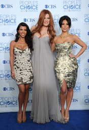 Khloe, Kourtney y Kim Kardashian en los People's Choice Awards 2011