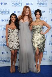 Khloe, Kourtney y Kim Kardashian en los People's Choice Awards 2011