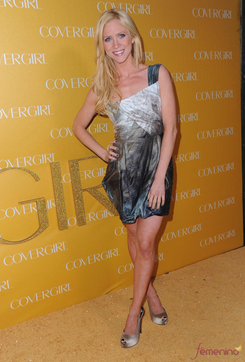 Brittany Snow en la Fiesta Covergirl