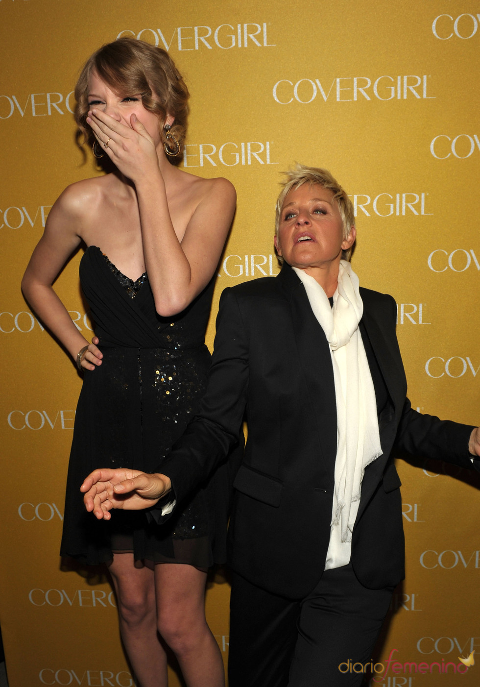 Taylor Swift y Ellen DeGeneres en la Fiesta Covergirl