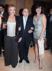 Juanito Navarro con Carmen Cervera y Carmen Martínez Bordiu