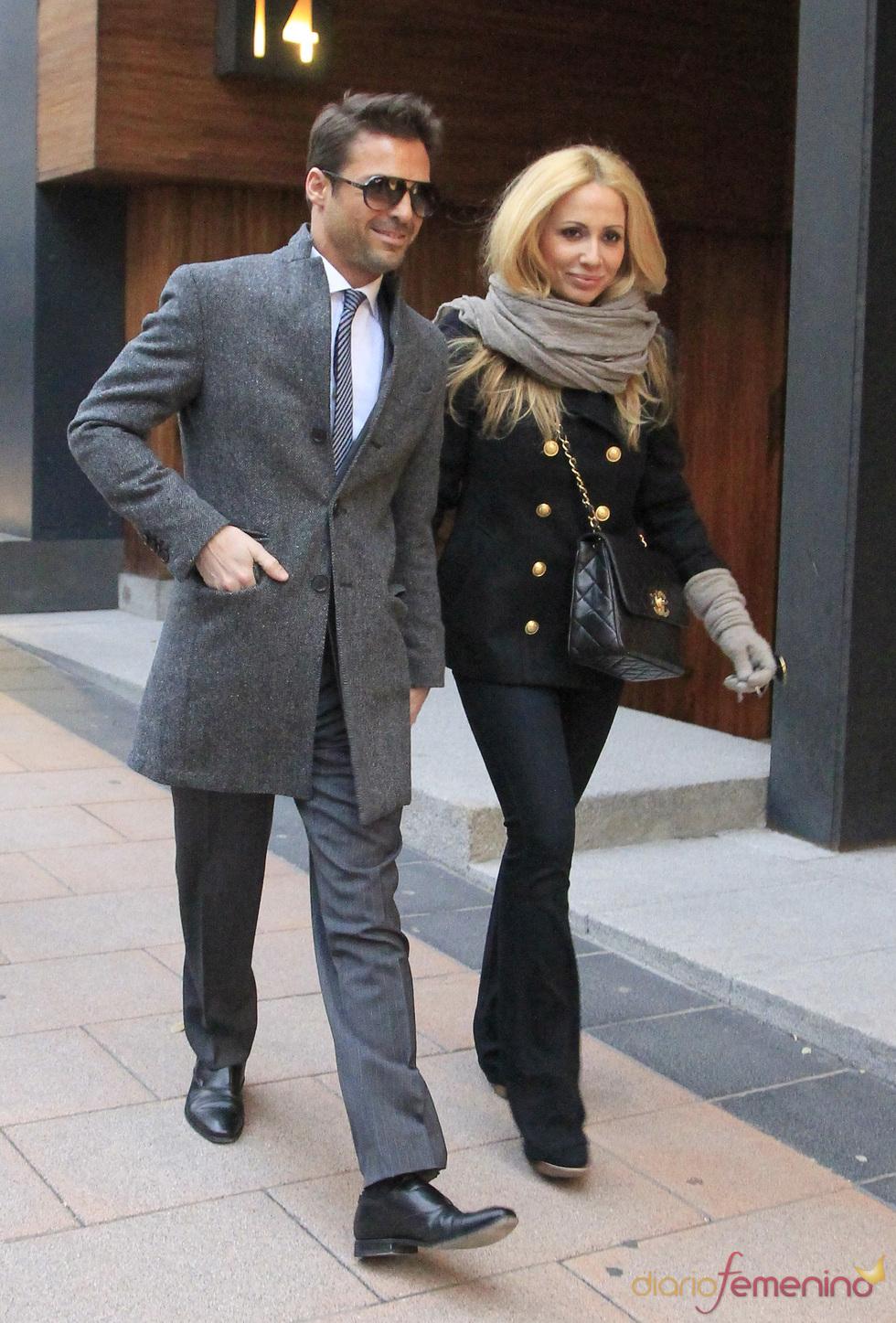 Marta Sánchez y Hugo Castejón, de compras