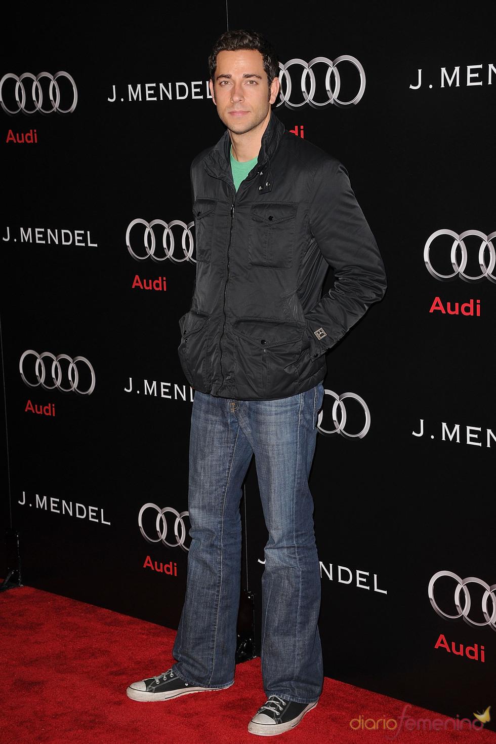 Zachary Levi, preparado para los Globos de Oro 2011