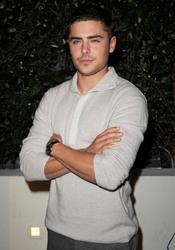 Zac Efron en la Semana de los Globos de Oro 2011