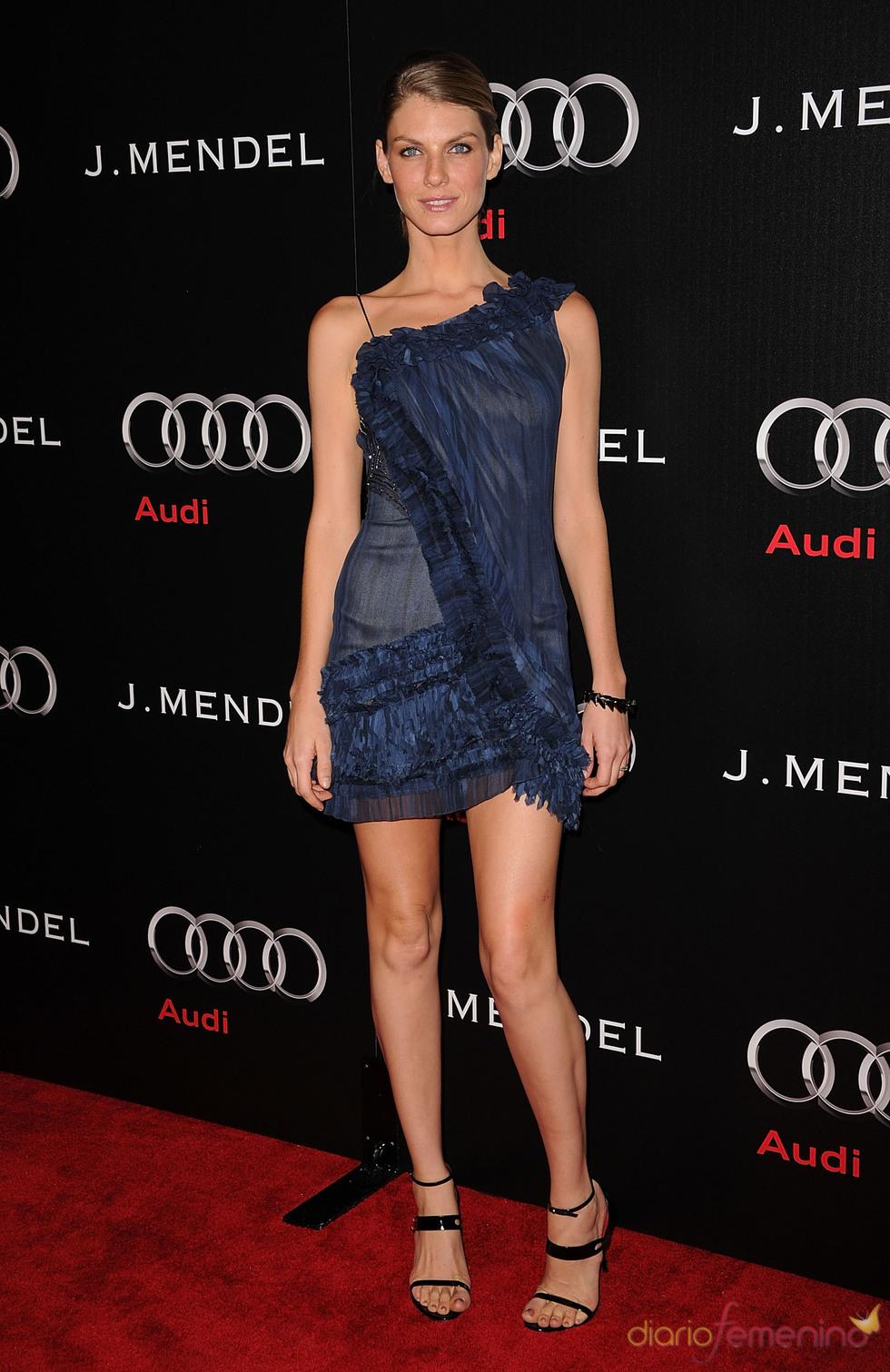 Angela Lindvall en la Semana de los Globos de Oro 2011