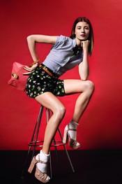Short estampado con pajarita a juego y camisa a rayas de Topshop p/v 2011