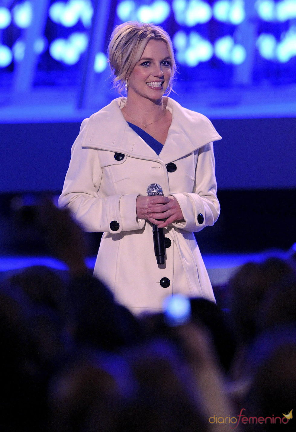 Britney Spears lanza 'Hold it against me'