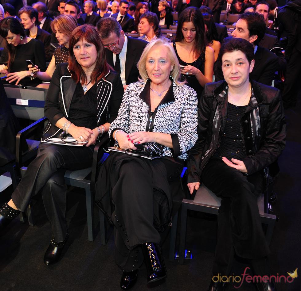Las madres de Xavi, Iniesta y Messi en la gala FIFA Balón de Oro 2010