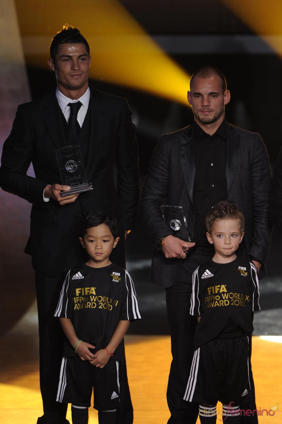 Sneijder y Cristiano Ronaldo en la gala FIFA Balón de Oro 2010
