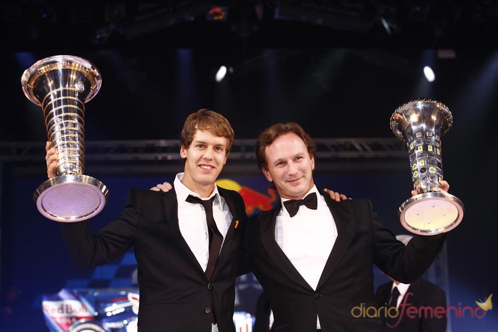 Sebastian Vettel y el jefe de Red Bull en la gala de la FIA