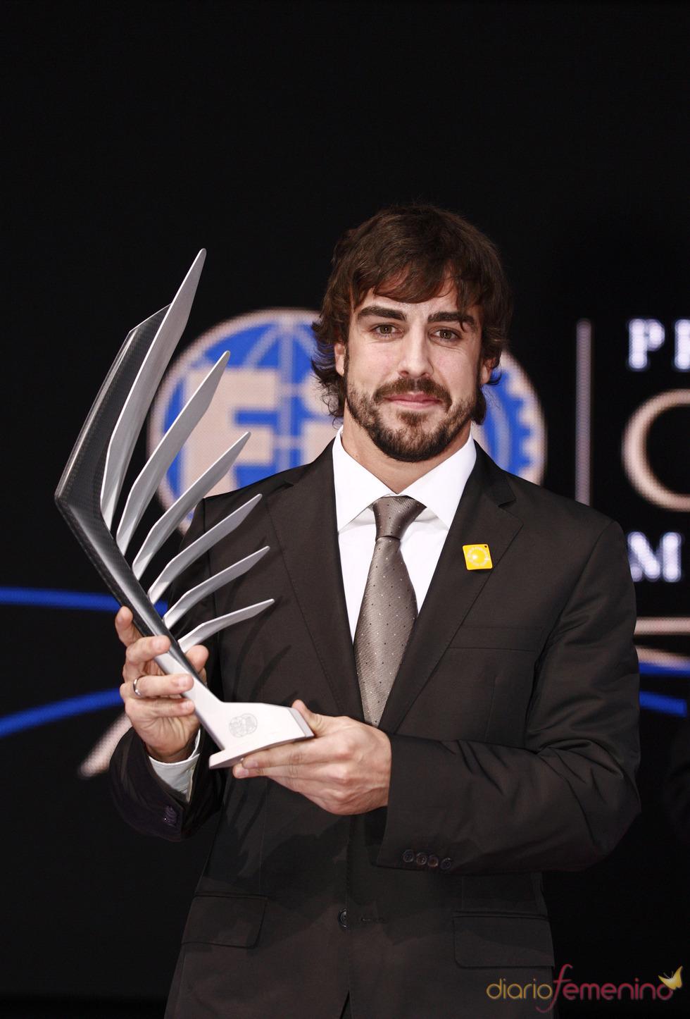 Fernando Alonso, premiado por la FIA