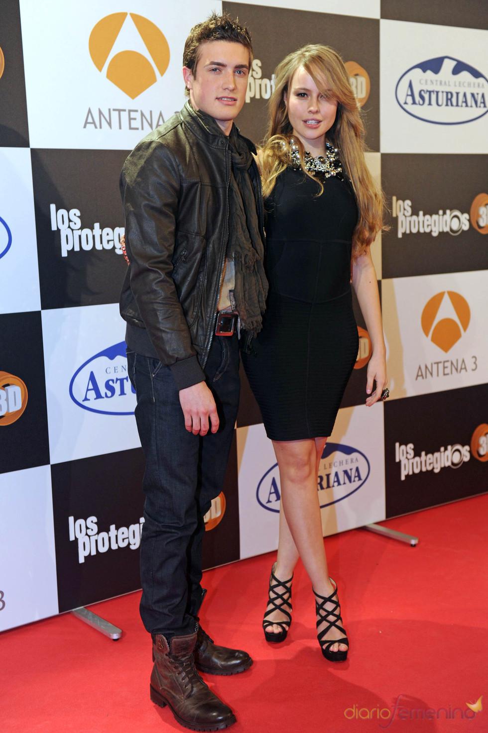 Esmeralda Moya y Raúl Mérida posan juntos
