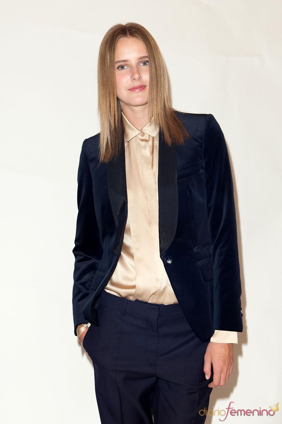 Blazer terciopelo con camisa dorada pre coleccion Stella McCartney otoño 2011