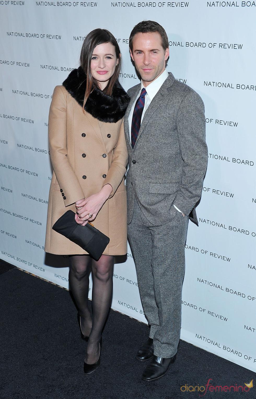 Emily Mortimer y Alessandro Nivola en los Premios de la Junta Nacional de Críticos