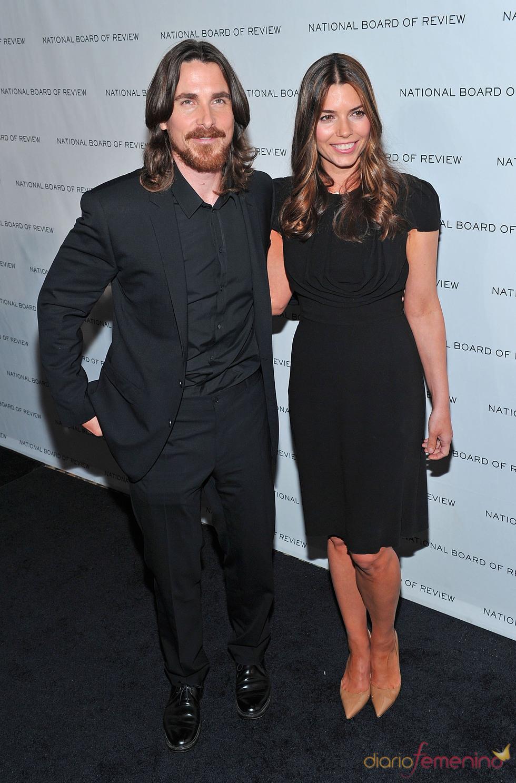 Christian Bale y Sandra Blazic en los Premios de la Junta Nacional de Críticos