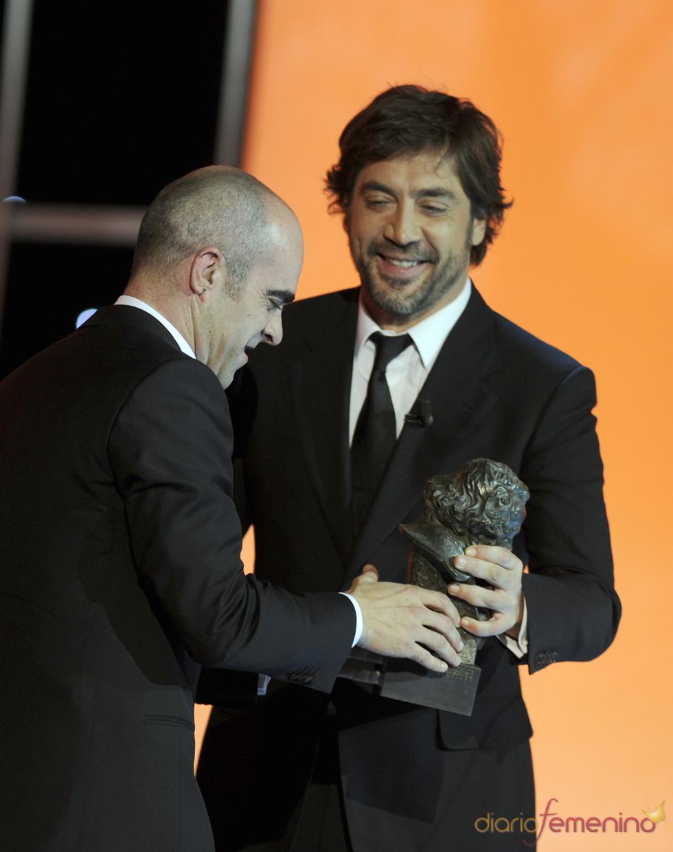 Javier Bardem entrega Goya a Luis Tosar