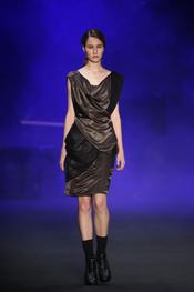 Vestido trapeado de Patachou en la Rio Fashion Winter 2011