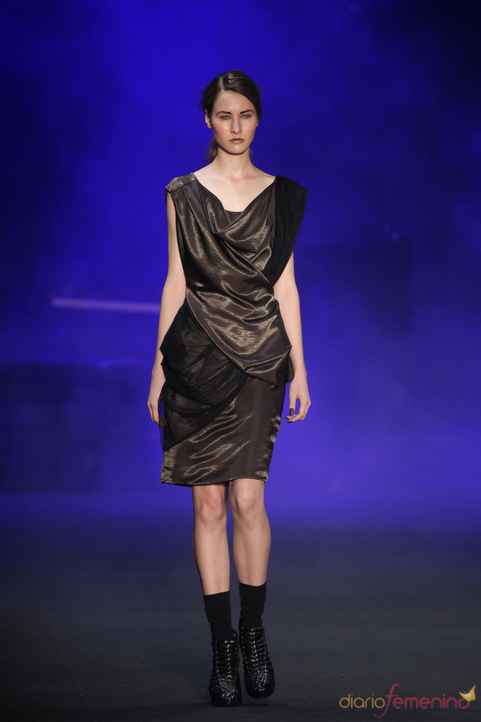 Vestido trapeado de Patachou en la Rio Fashion Winter 2011