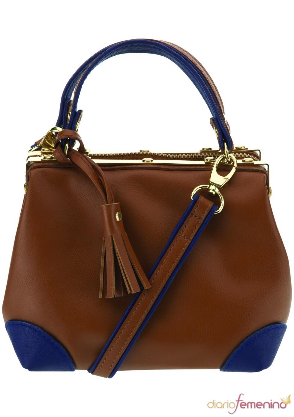 Bolso marrón y azul marino de TopShop, 53 euros