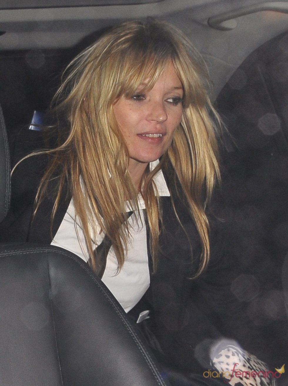 Kate Moss, borracha tras una fiesta