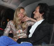 Sienna Miller, borracha en un coche en Londres