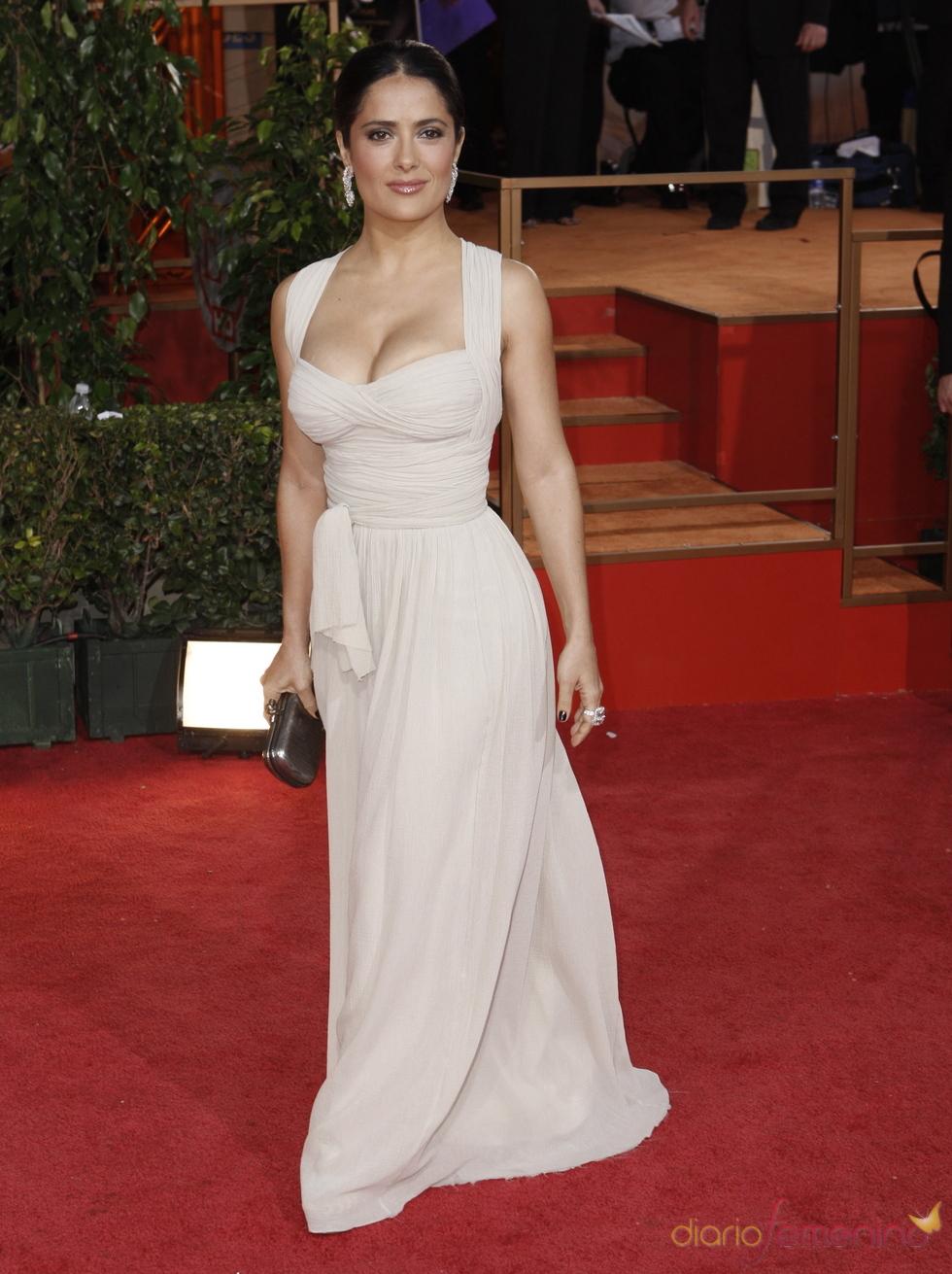 Salma Hayek en los Globos de Oro 2009, de Dior