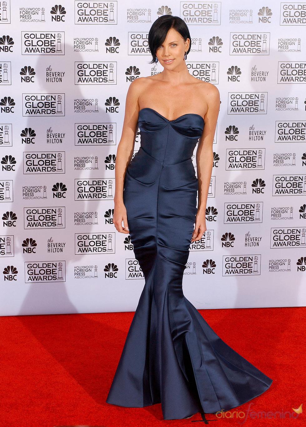 Charlize Theron en los Globos de Oro 2005