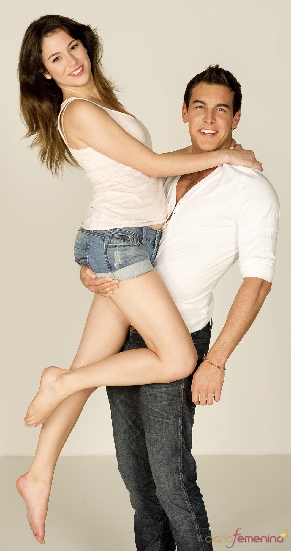 Blanca Suárez y Mario Casas, muy cómplices en 'El Barco'