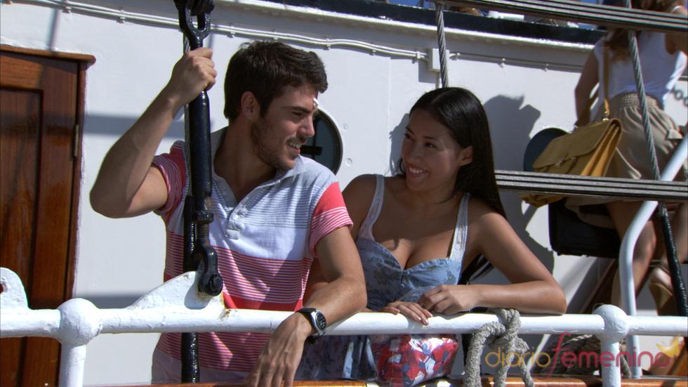 Javier Hernández y Giselle Calderón en una escena de 'El Barco'