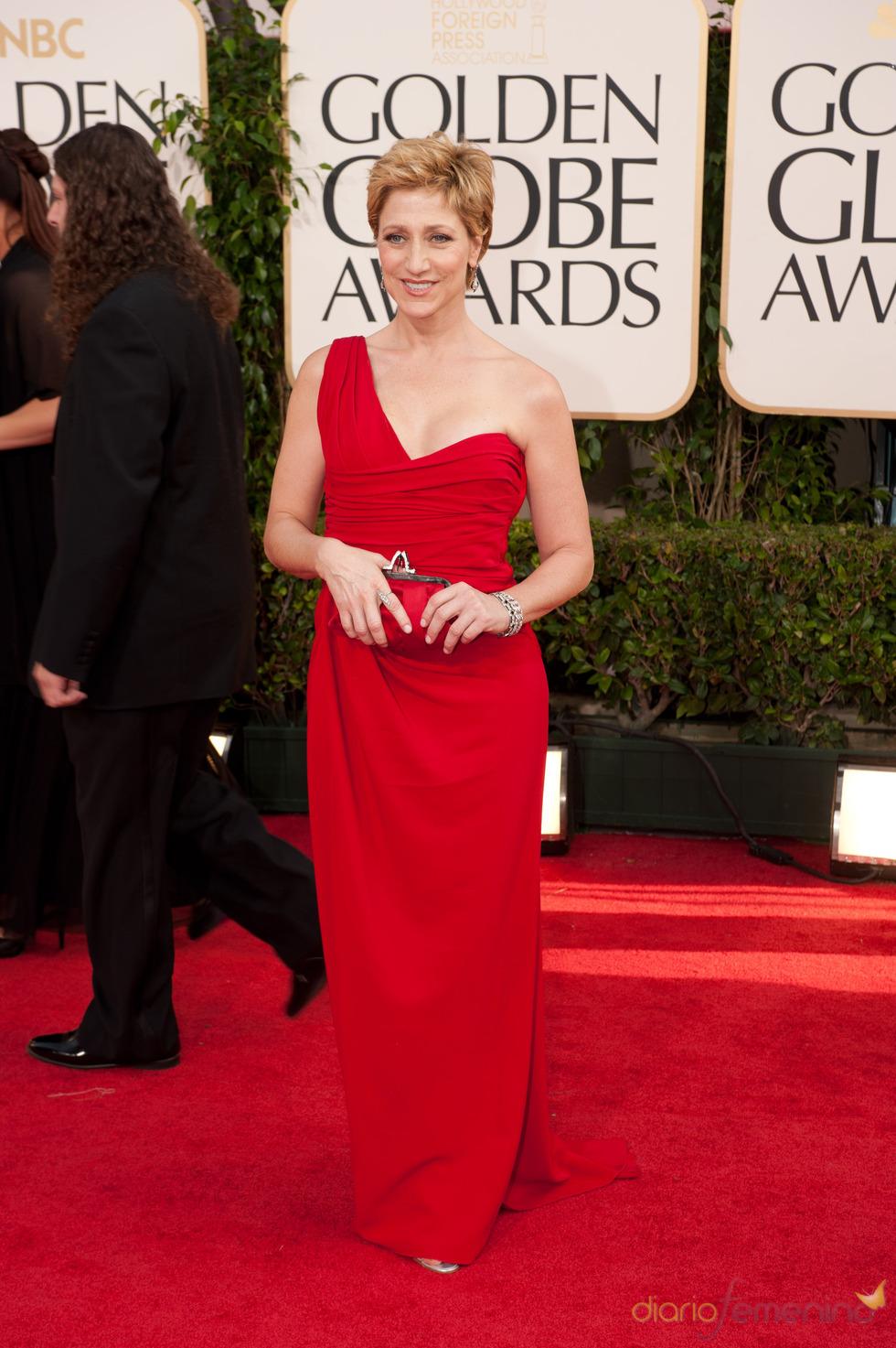 Edie Falco en la alfombra roja de los Globos de Oro 2011